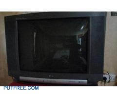 LG GOLDEN EYE TV 35 INCHES SCREEN WITH HIGH SOUND WOOFER