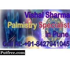 Palmistry Specialist in Pune will tell your Destiny