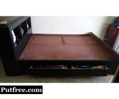 Queen size Bed 7'6