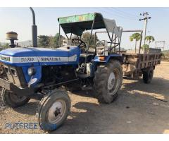 Sonalika tractor with trolley