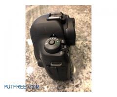Canon EOS 5D Mark IV Digital SLR Camera Kit EF 24-105mm Lens