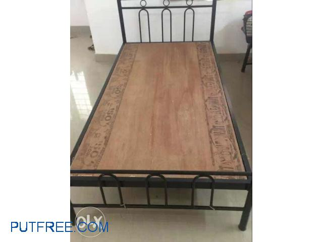 Single bed cot