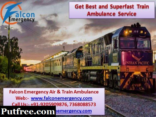 Get Falcon Emergency Train Ambulance Services in Allahabad with Medical Facility