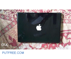 MacBook Pro APPLE Laptop scratchless condition