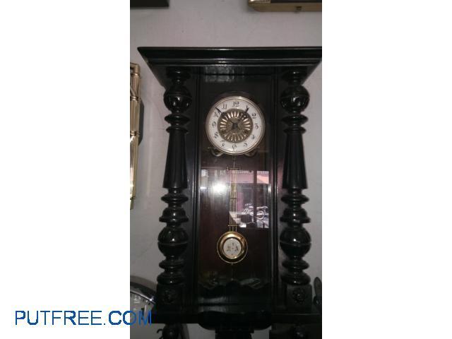 British Indian clock