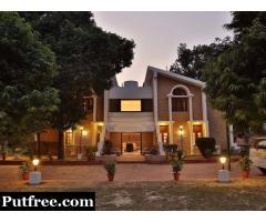 2.5 Acre Farm House Fully furnished for sale in Deramandi Road, Chattarpur, Delhi South,  ₹25.5 Cr