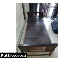Rosewood single cot exclusively for vintage lovers