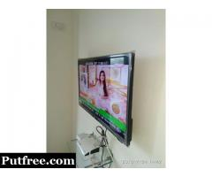 32 inch LED TV....3years warranty.Very Good condition