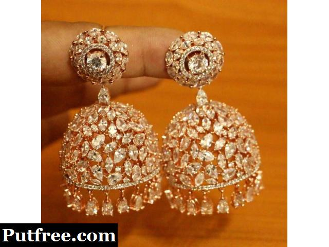 Looking to buy fashion earrings for women? Visit Mirraw